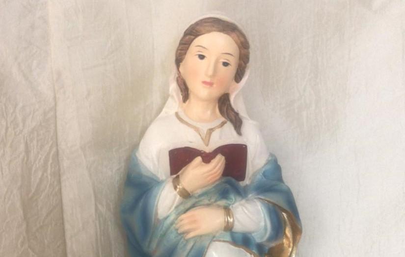 """""""Frauentragen"""" – Maria wandert in unserer Pfarrei von Haus zu Haus"""